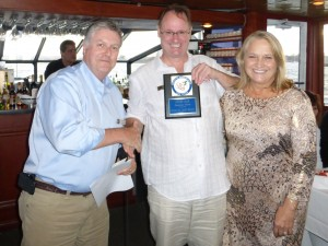Steve Hucik presents Randy and Janet Brown with the Perpetual Award.